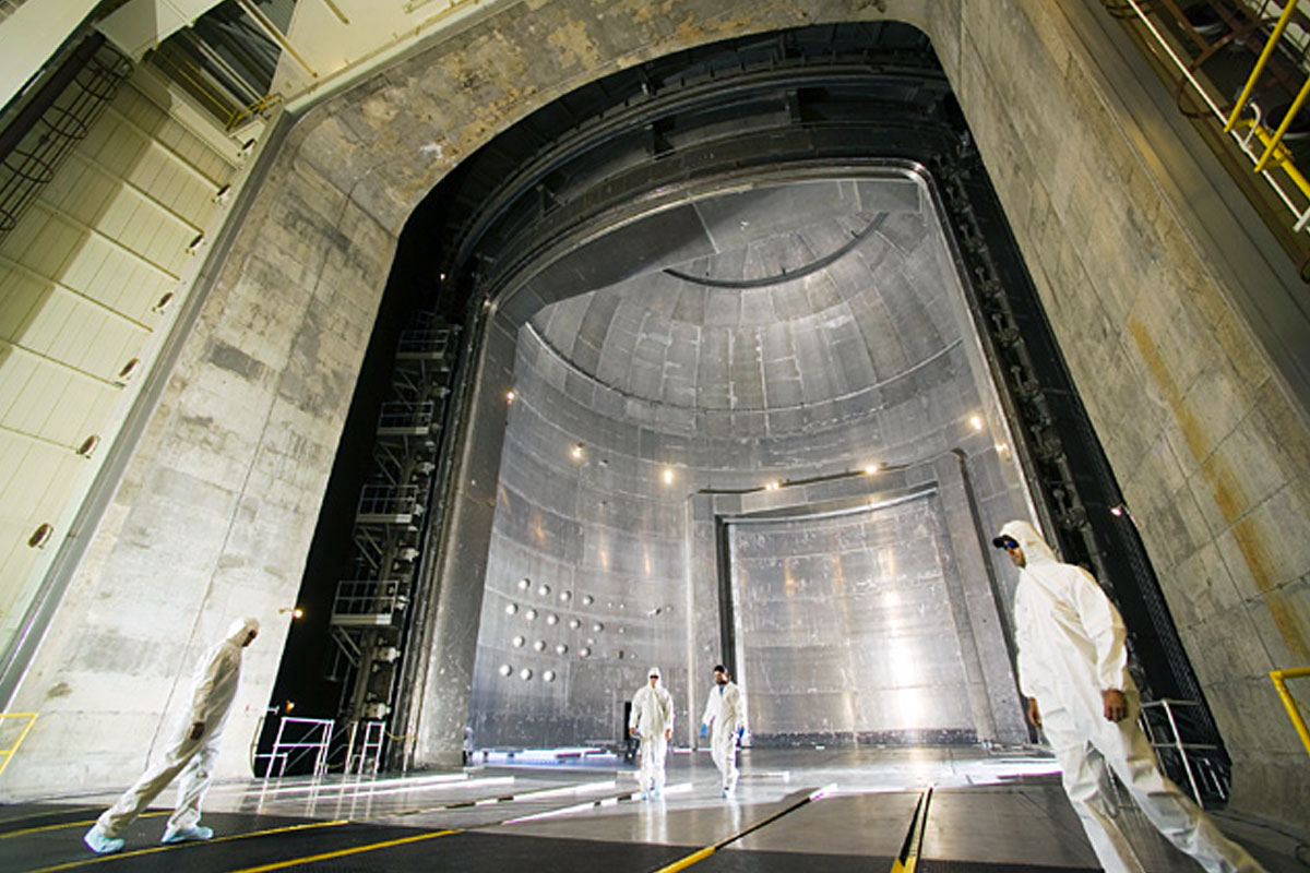 The world's largest vacuum chamber at Nasa's Space Power Facility in Ohio. The chamber has a volume of 22,653 m³, measuring 30.5m in diameter and 37.2 m high.